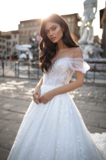 milla-nova-wedding-dress-royal-collection-debora-front-close