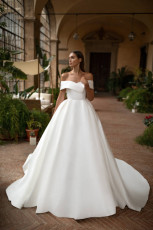milla-nova-wedding-dress-royal-collection-matilda-front
