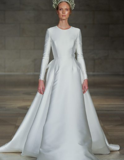 Reem Acra Captivating